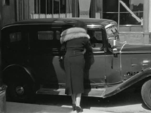 1933 renault taxi g7 type kz11 in quai des for Garage des taxis g7