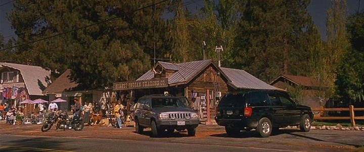 Imcdb Org 2001 Jeep Grand Cherokee Wj In Dr Dolittle 2 2001
