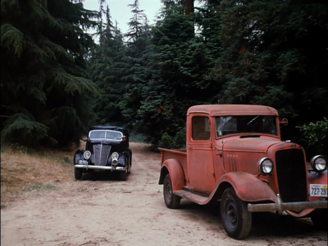 IMCDb org: 1934 Chevrolet ½-ton in