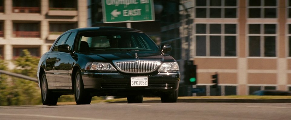 Imcdb Org 2003 Lincoln Town Car In The Ugly Truth 2009