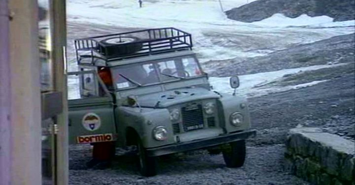 Land-Rover 88'' Series IIa Station Wagon
