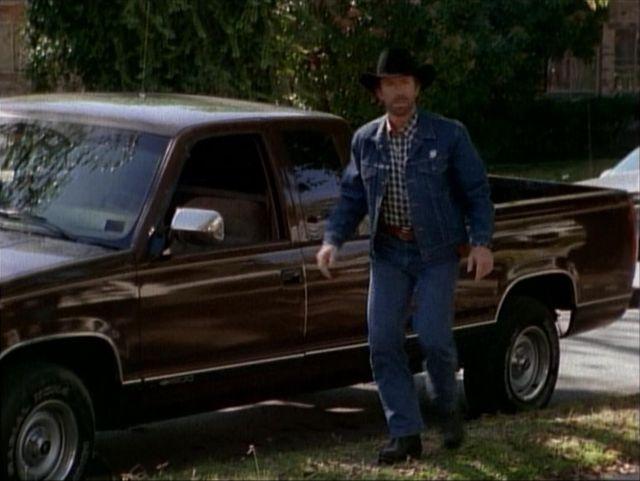 I on 1993 Dodge Extended Cab