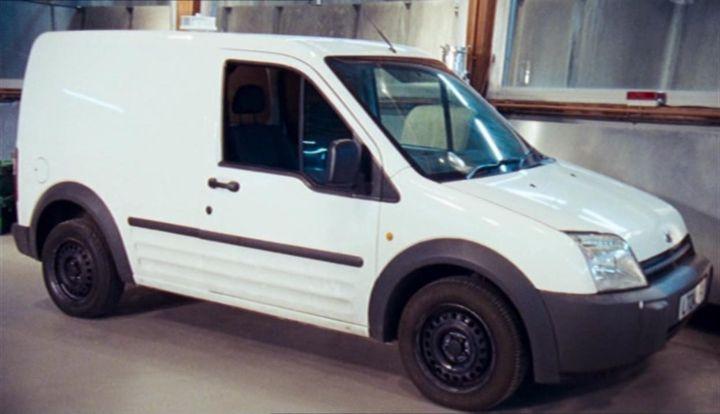 """imcdb: 2003 ford transit connect 1.8 tdci mki in """"primeval, 2007"""