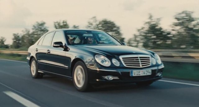 2007 mercedes benz e 220 cdi w211 in hardcover 2008. Black Bedroom Furniture Sets. Home Design Ideas