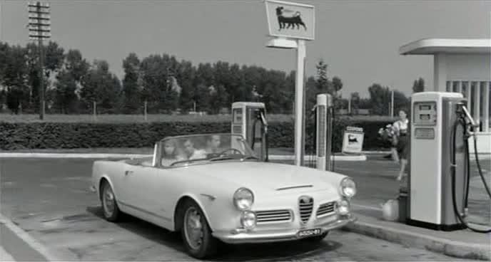 Imcdb 1962 Alfa Romeo 2600 Spider Touring 10601 In La Bella