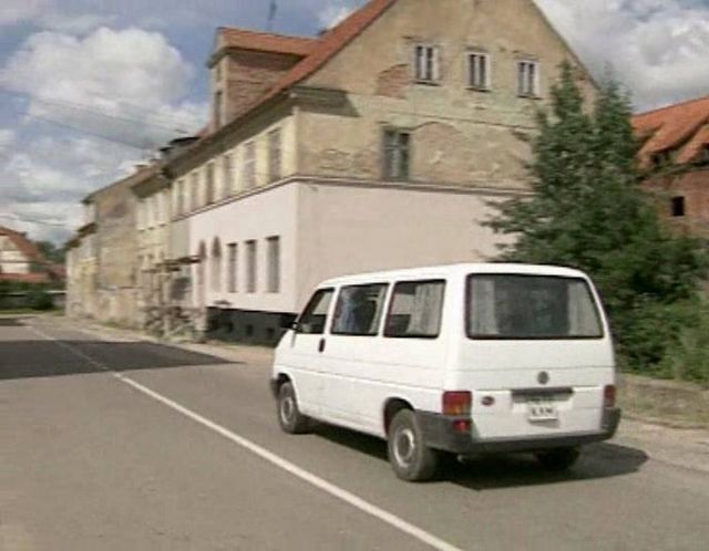 IMCDb.org: 1993 Volkswagen Transporter [Typ 2 / T4] in 
