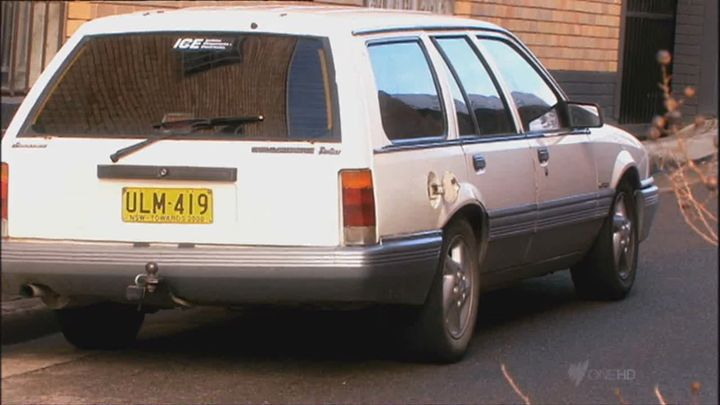 1987 holden commodore berlina vl in swift and shift couriers 2008 2011. Black Bedroom Furniture Sets. Home Design Ideas
