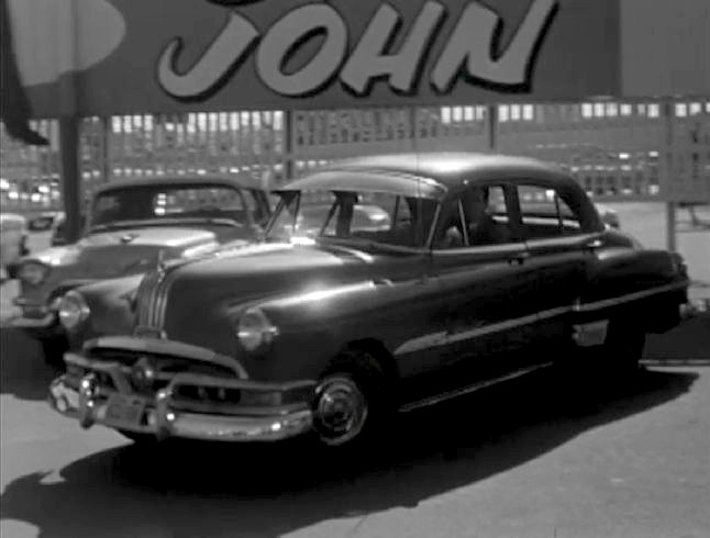 1951 Pontiac Chieftain De Luxe Four-Door Sedan [2569D]