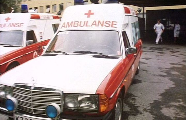 1982 Mercedes-Benz Ambulanse [W123]