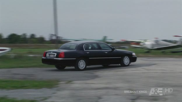 Imcdb Org 2003 Lincoln Town Car Signature L In Breakout Kings