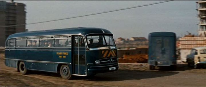mercedes benz o 321 h in it started with a. Black Bedroom Furniture Sets. Home Design Ideas