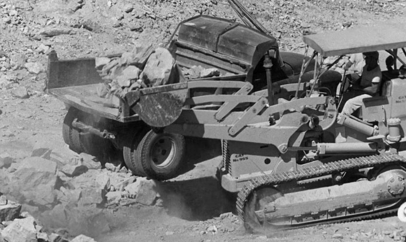 IMCDb org: 1955 Caterpillar 955 C in