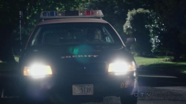 """Ford Crown Victoria Police Interceptor >> IMCDb.org: 2005 Ford Crown Victoria Police Interceptor [P71] in """"Once Upon a Time, 2011-2018"""""""
