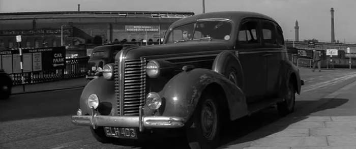 1937 McLaughlin-Buick Special Four-Door Touring Sedan [41]