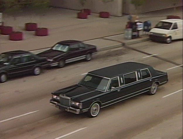 Imcdb Org 1985 Lincoln Town Car Stretched Limousine In Tanner 88