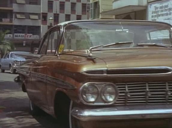 O Homem Das Pistolas De Ouro [1959]