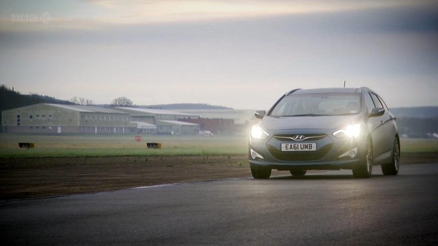 IMCDb.org: 2011 Hyundai i40 Tourer 1.7 CRDi Premium in