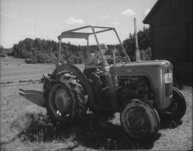 1961 Massey Ferguson 35 Diesel : Imcdb massey ferguson guldkalv in quot hällebäcks