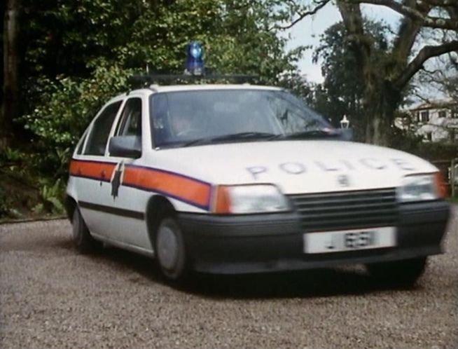 "IMCDb.org: 1985 Vauxhall Astra MkII in ""Bergerac, 1981-1991"""