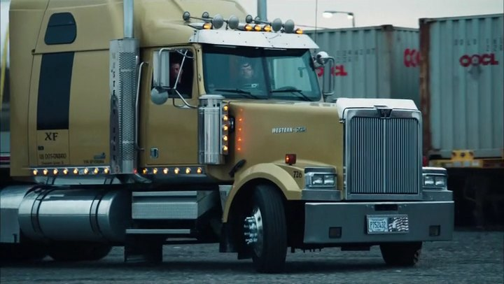 Imcdb western star 4900 ex in shameless 2011 2018 western star 4900 ex publicscrutiny Image collections