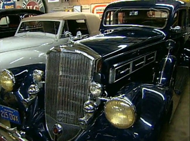 1935 Pierce-Arrow Model 1245 Sedan [1245]