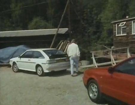 IMCDb org: 1985 Volkswagen Scirocco White Cat MkII [Typ 53B] in
