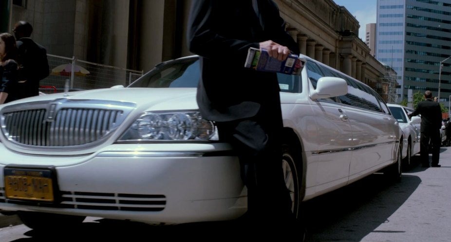 Imcdb Org 2003 Lincoln Town Car Stretched Limousine Executive In