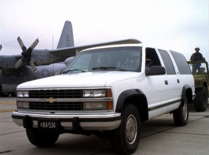 The Chevrolet Suburban - Late GMT400 vs  early GMT800 - Page 2