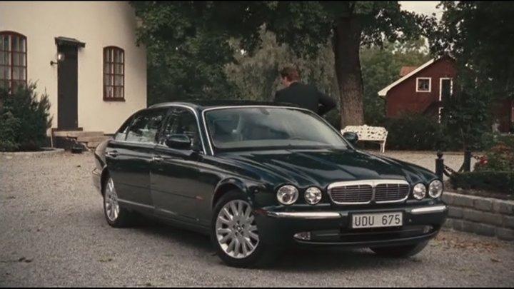 Captivating 2003 Jaguar XJ8 3.5 V8 Executive [X350]