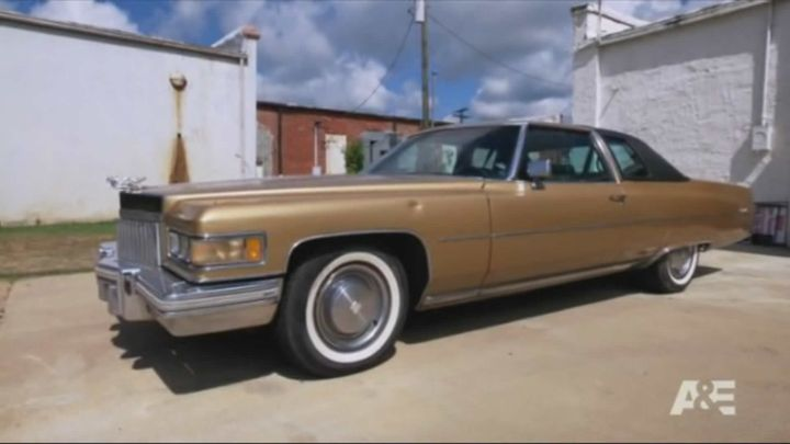 IMCDb org: 1975 Cadillac Coupe DeVille in