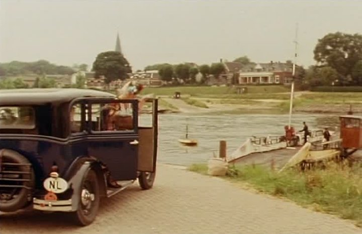 1930 chevrolet universal four door sedan ad for 1930 chevrolet 4 door sedan