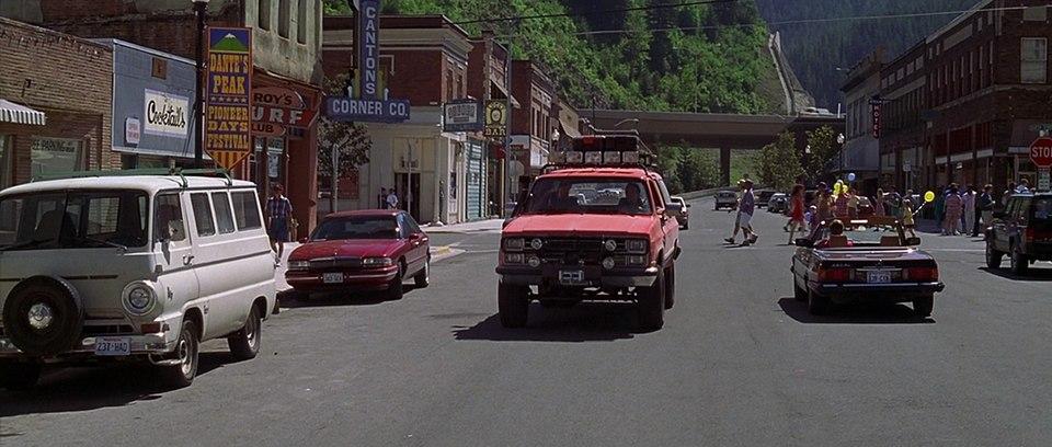 """IMCDb.org: 1995 Buick Park Avenue in """"Dante's Peak, 1997"""""""