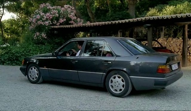 1990 mercedes benz 200 e w124 in l 39 estate del mio primo bacio 2006. Black Bedroom Furniture Sets. Home Design Ideas