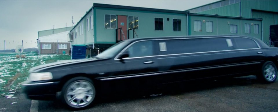Imcdb Org 2003 Lincoln Town Car Stretched Limousine In Top Gear