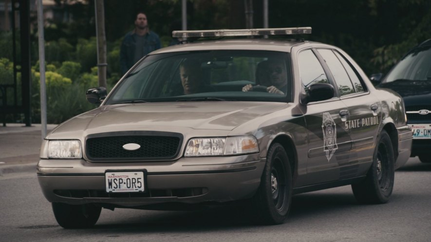 "How To Flip Cars >> IMCDb.org: 2000 Ford Crown Victoria Police Interceptor [P71] in ""The Marine: Homefront, 2013"""