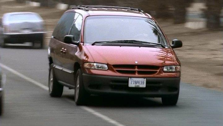 Imcdb 1996 Dodge Grand Caravan Le In Home Alone 4 2002