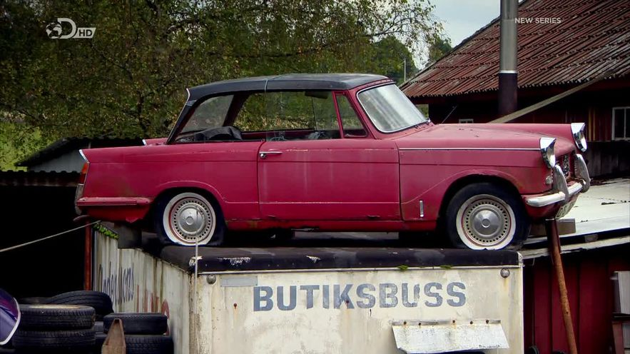 "Souvent IMCDb.org: 1961 Triumph Herald 1200 Saloon in ""Wheeler Dealers  MR67"