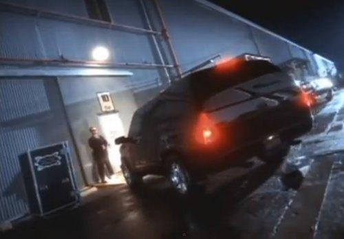 "Castle Used Cars >> IMCDb.org: 1994 Chevrolet Suburban [GMT410] in ""Will Smith: Men in Black, 1997"""