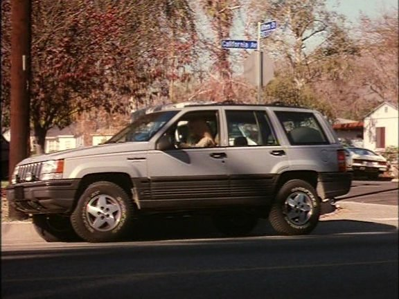 IMCDb.org: 1993 Jeep Grand Cherokee Laredo [ZJ] in Desert