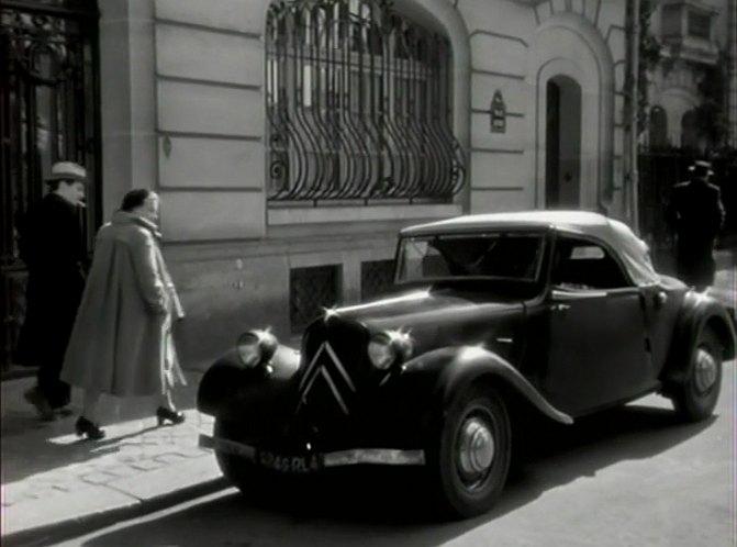 1937 citro n 11 b cabriolet 39 traction 39 3 5 places in le bon dieu sans confession 1953. Black Bedroom Furniture Sets. Home Design Ideas