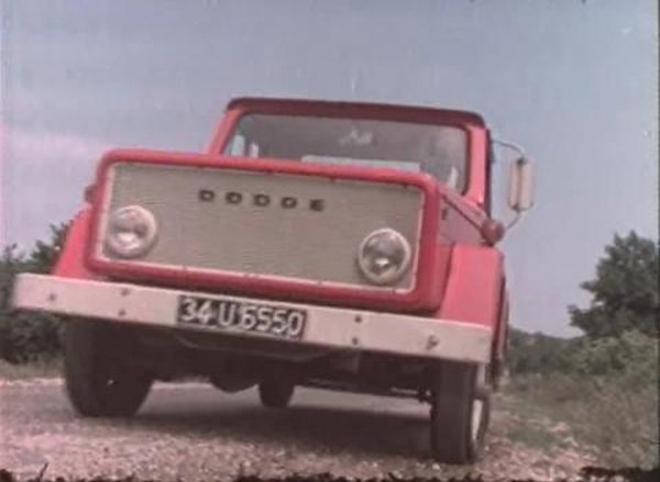 IMCDb.org: Dodge S 100 in