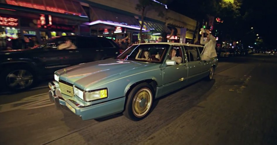 IMCDb.org: 1989 Cadillac Sedan DeVille Stretched Limousine Six Door