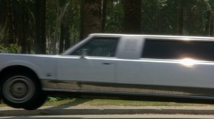 Imcdb Org 1988 Lincoln Town Car Stretched Limousine In L A Story