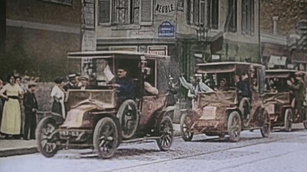 1905 renault 8cv landaulet 39 taxi de la marne 39 type ag 1 in apocalypse la 1 re. Black Bedroom Furniture Sets. Home Design Ideas