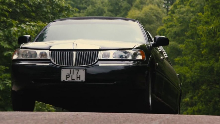 Imcdb Org 1999 Lincoln Town Car Stretched Limousine In The Harry