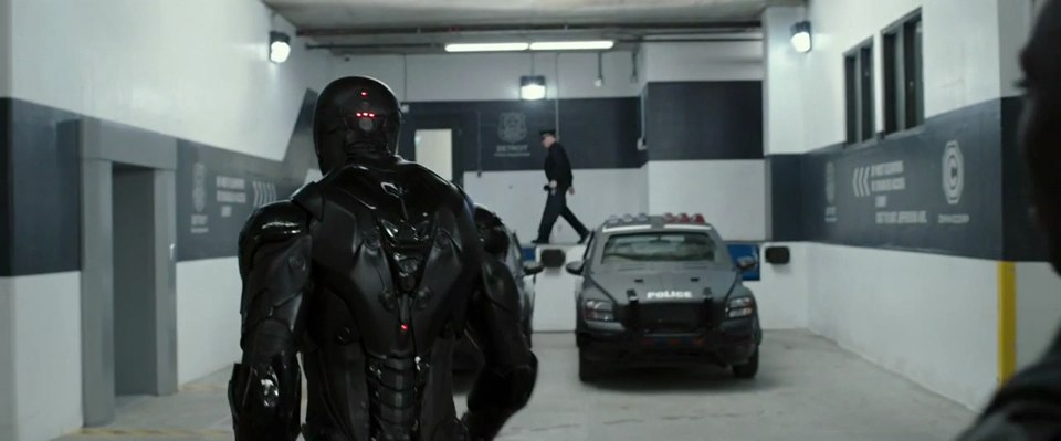 Imcdb Org 2007 Dodge Caliber In Robocop 2014