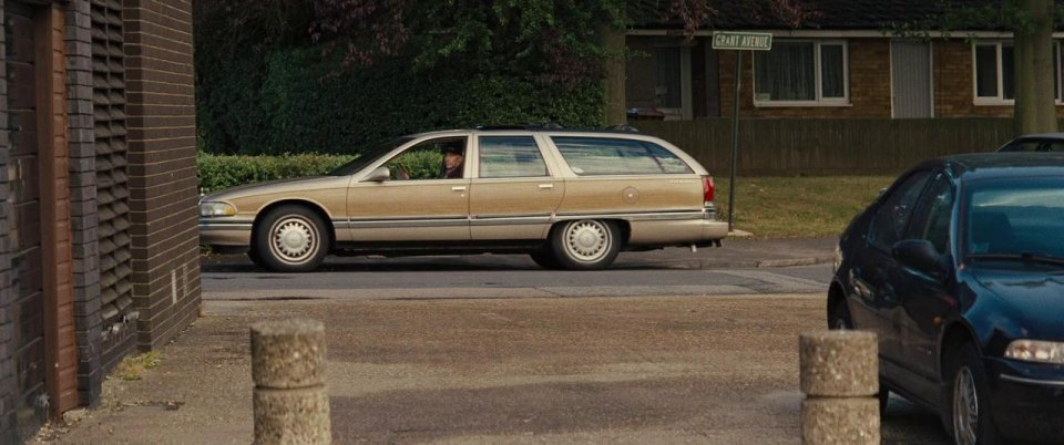 imcdb org 1995 buick roadmaster estate wagon in jack ryan shadow recruit 2014 imcdb org