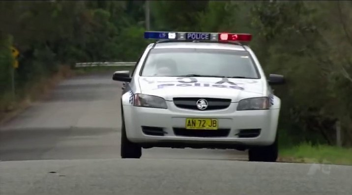 Imcdb 2006 Holden Commodore Omega Ve In Home And Away 1988