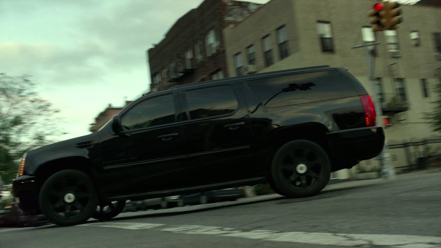 Imcdb 2007 Cadillac Escalade Esv Gmt936 In Daredevil 2015 2018