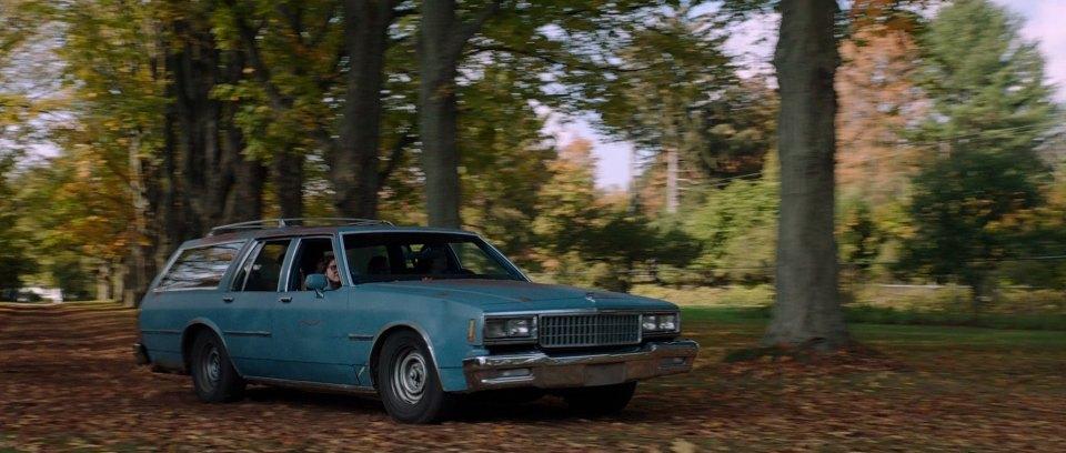 "Used 2014 Chevy Impala >> IMCDb.org: 1980 Chevrolet Impala Wagon in ""It Follows, 2014"""